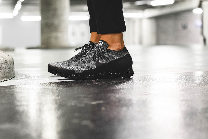 10756c0cb52a Nike Air VaporMax  Oreo 2.0  Black And Black-White-Racer Blue Discount
